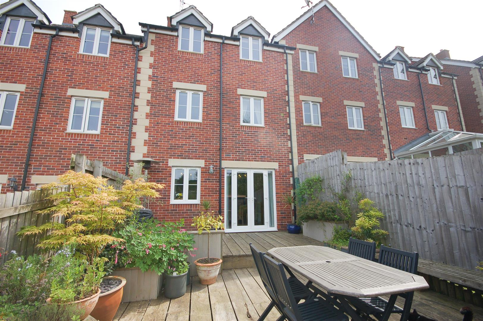 4 bedroom mid terrace house for sale